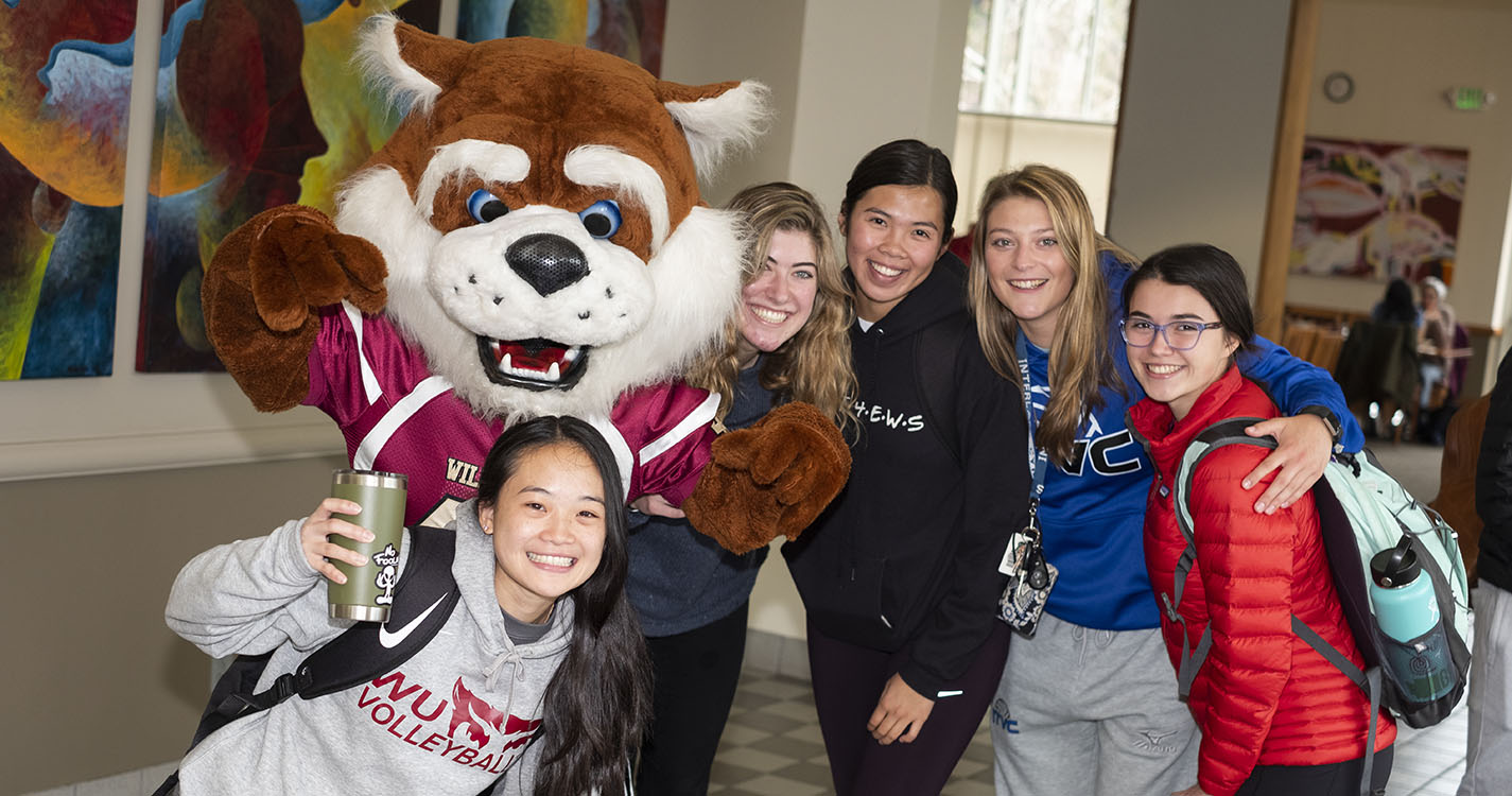 Blitz the Bearcat with Willamette students