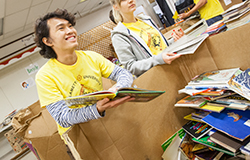 Nearly 40 Willamette students and staff sorted books and educational materials for the Salem-Keizer Education Foundation on Jan. 20.