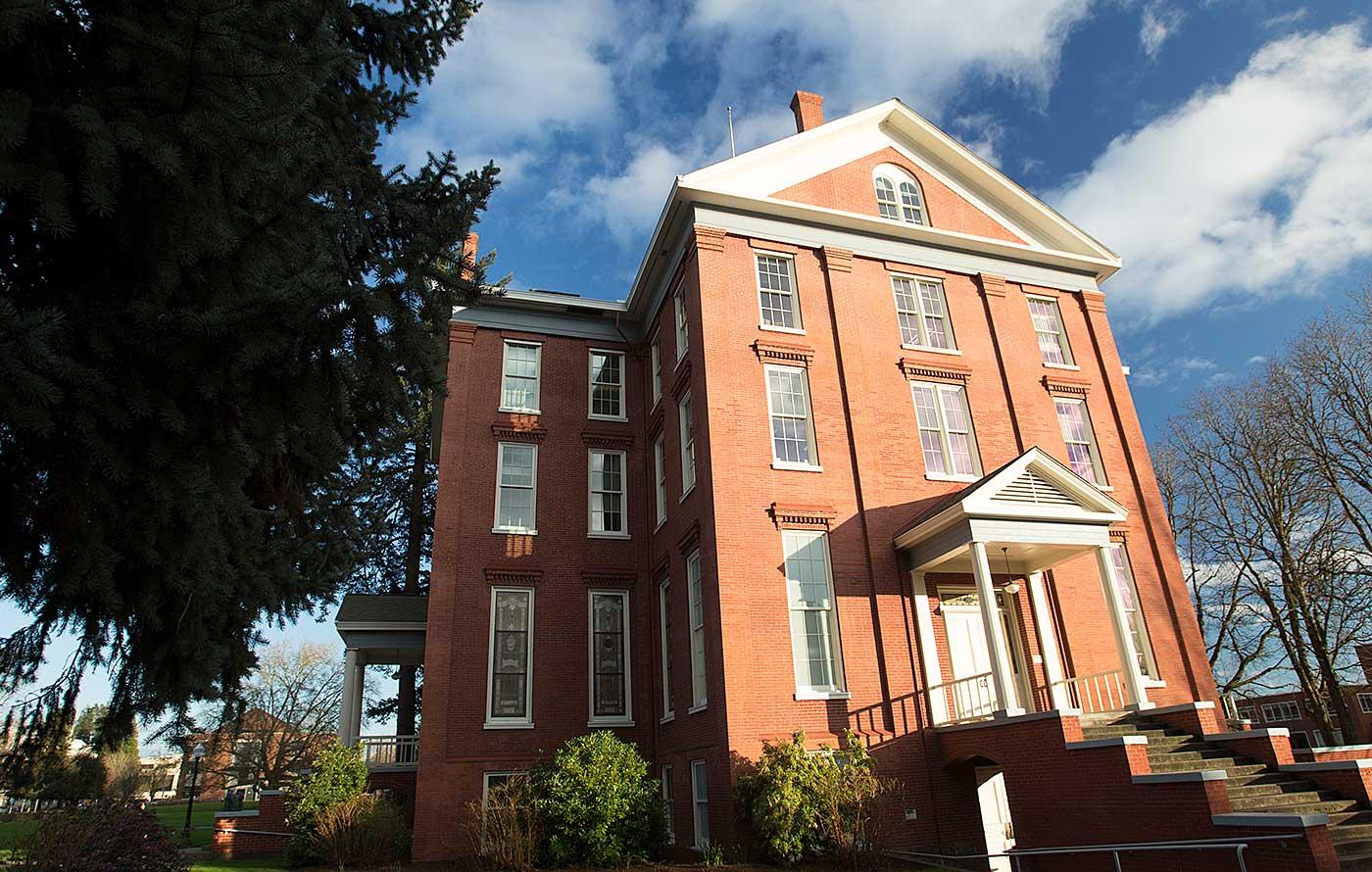 Willamette's Waller Hall